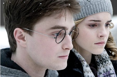 Harry Potter and the Half Blood Prince - Hermione (Emma Watson), Harry (Daniel Radcliffe)