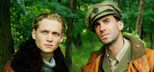 Matthias Scheighofer and Joseph Fiennes in Red Baron