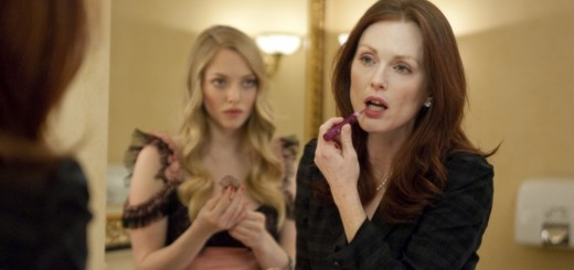 Amanda Seyfried as Chloe, Julianne Moore as Catherine Stewart