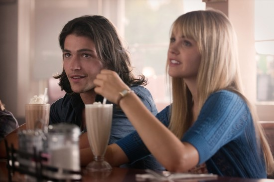 Thomas McDonell;Aimee Teegarden