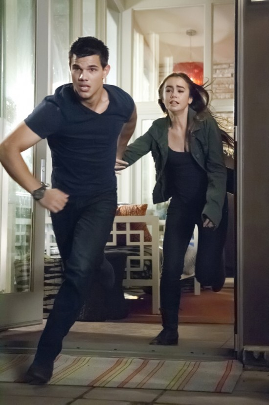 Abduction movie photo with Taylor Lautner and Lily Collins 04