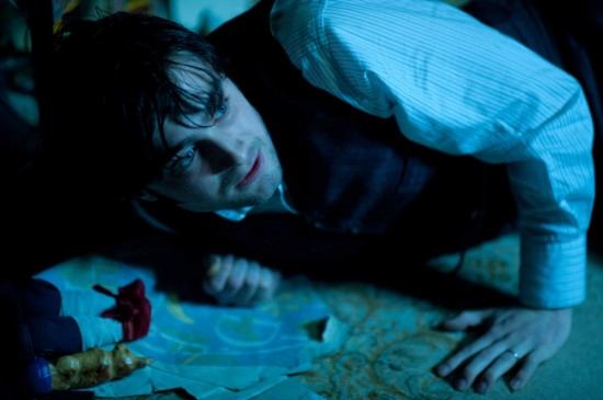 woman in black daniel radcliffe movie photo 03